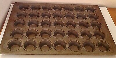 "Ekco Glaco Commercial 35 Cavity Muffin Baking Pan 26 X 18, 2.75"" Cupcakes"