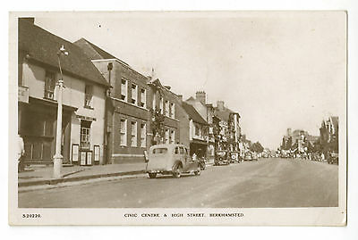 Postcard: Berkhamsted Civic Centre & High St, Bridge House RP, posted 1948