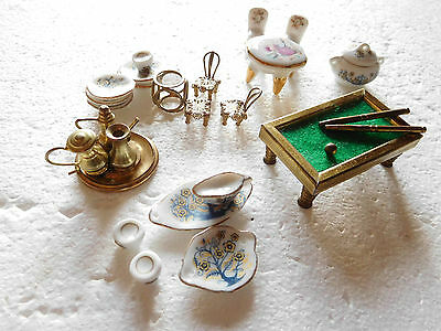 Job lot bundle of mixed items of dolls house furniture