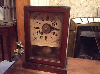 Lovely Antique Wooden Clock • £14.60