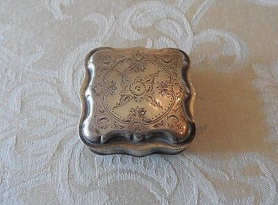 Sterling Silver .925 Engraved Pill Snuff Box Hallmarked Lion Makers Mark