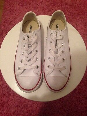 Girls Women's White Leather Converse Size 2.5. Worn 3 Times.