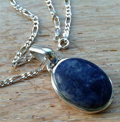 Sterling silver and agate pendant on 24 inch chain, 22.2 grams weight