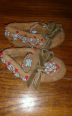 Vintage  Native American Indian Beaded Mocassins - Child Size