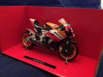 1:18 NewRay Scale Die-Cast HONDA RCV Classic Collection Motorcycle Model