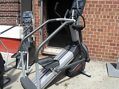 Life Fitness Integrity Series Summit Trainer - Cleaned & Serviced