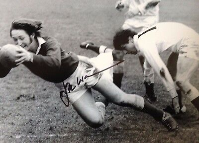 Jpr Williams - Welsh Rugby Union Rugby Legend  - Superb Signed B/w Photograph