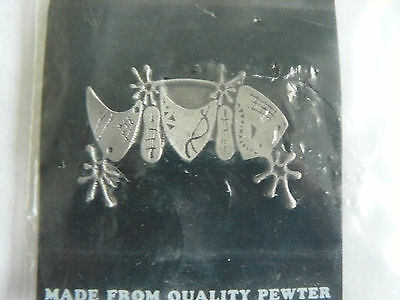 """New """"vivid"""" Pewter Pin Badge - Rock Band From Leicester"""