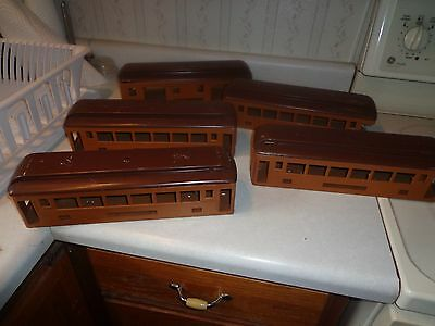 Lionel 300 series  passenger cars bodies and roofs