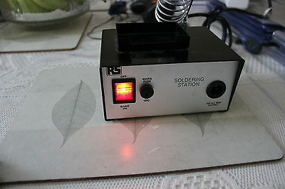RS Soldering Station, Very Good Condition, appears unused