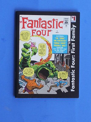 Marvel - FANTASTIC FOUR: FIRST FAMILY - Digest B&W reprint early stories