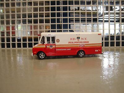 For Code 3 Fdny Kitbash Dewatering  Unit -1 Van  1/64 Scale