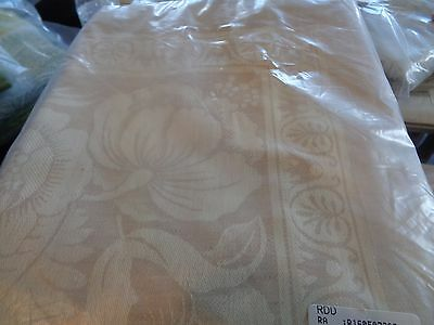 Williams Sonoma Vintage Floral Jacquard  Tablecloth 70 X 90 natural New