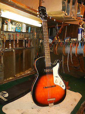Vintage Holiday / Kay Electric Guitar Mars, Value Leader Harmony.