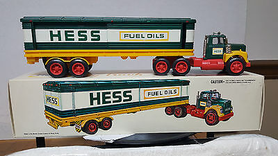 1976 Hess Barrel Truck- Box- Inserts & Bc - New !! - Never Displayed !! Nice !!