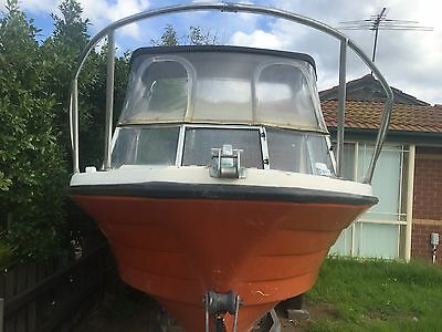 savage 5 metre fibreglass boat with 2001 70hp yamaha outboard
