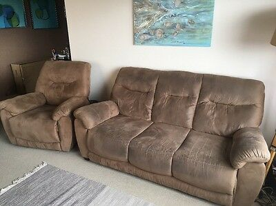 3 Seater Suede Lounge And Matching Recliner