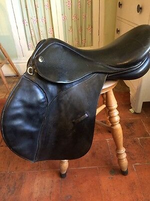 "GFS Black Leather Saddle 16.5"", Medium Fit"