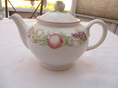 boots orchard large 2 pint teapot very good used condition