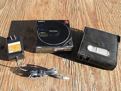 RARE Vintage Sony D-7 DISCMAN w/ BP200 Battery Pack, OEM Charger, Case - Working