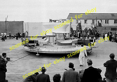 Photo - SRN1 hovercraft demonstration, Saunders Roe, Cowes, IOW, June 1959