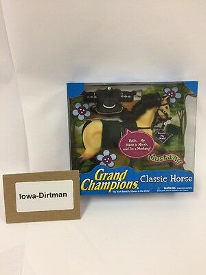 Grand Champions Classic Horse Micah Mustang 50093 New in Box