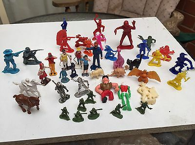 Bulk Lot Plastic Toy Figurines Toy Soldiers Indians Cereal Toys