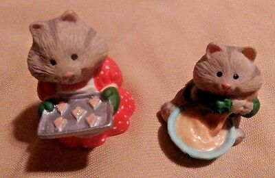 1996 Hallmark Ornament ( Busy Bakers) 2 Pieces