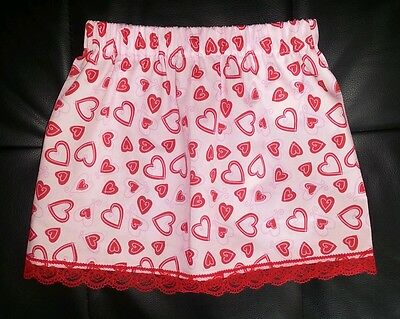 New girls cute heart patterned skirt with lace trim. Age 2-4. Princess