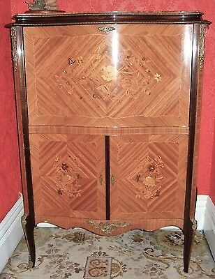 Lovely Reproduction early 20th century cabinet - wonderful condition