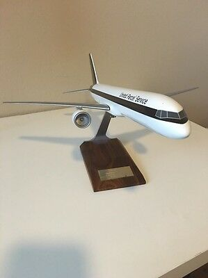 Very Rare UPS Desktop Model Plane 1/100