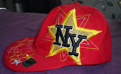 FASHIONABLE RED CAP with NY STAR logo NEW WITHOUT TAGS