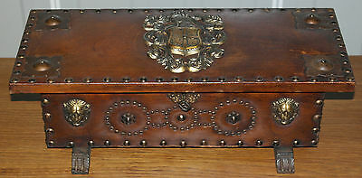 Stunning Victorian Small Leather Bound Chest Treasure Box Lion & Coat Of Arms