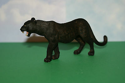 Black Panther Female Walking by Schleich Wild Life Figure 2012