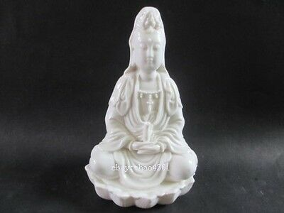 Chinese manual sculpture white ceramic statues (the goddess of mercy)
