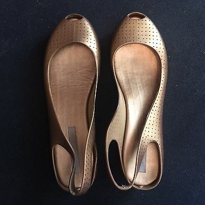 Women's Size 39 Gold Melissa Jelly Sandals