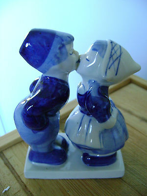 Delft blue and white kissing couple made in Holland