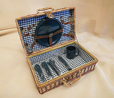 Vintage Wicker Picnic Basket w/ Plastic Dishes & Utensils