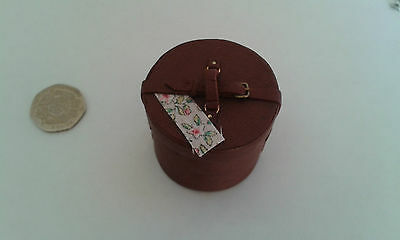 Hand made hat box 1/12th scale