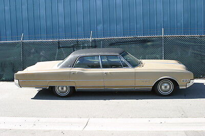 1966 Oldsmobile Ninety-Eight Deluxe Oldsmobile 98  vintage car, classic car