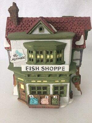 1988 DEPT 56 DICKENS VILLAGE  THE MERMAID FISH SHOPPE #16 Mint