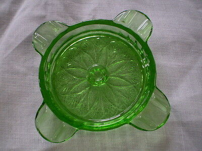 """Green  """"sunflower"""" Ashtray Made By Jeannette Glass Co."""