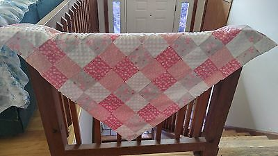 *BABY GIRL'S CRIB QUILT~Pink,White,Gray.With Travel Blanket*