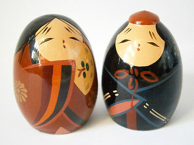 Tiny Vintage Japanese Egg People Wooden Man & Lady Kokeshi Dolls 5Cm Tall