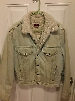 Vintage US Made Levis Sherpa Trucker Jacket Size 40R