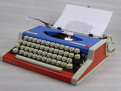 Red, White & Blue Olympia Traveller De Luxe Typewriter w/ New ribbon & 2 spare
