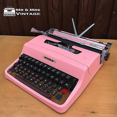 Pink Olivetti Lettera 32 Typewriter Working Black Red ribbon Vintage Excellent