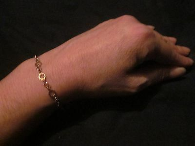 VINTAGE yellow gold bracelet  9ct gold - 'DAISY CHAIN.'