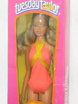 Vintage 1977 Ideal Beauty Queen Tuesday Taylor Doll In Original Box