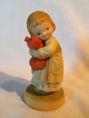 """Memories of Yesterday, Figurine, """"We all Loves a Cuddle"""", 524832, Girl"""